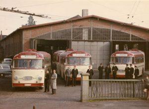 Hentschel Gelenkzüge vor Depot 1962