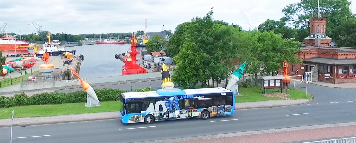 Bus im Hafen