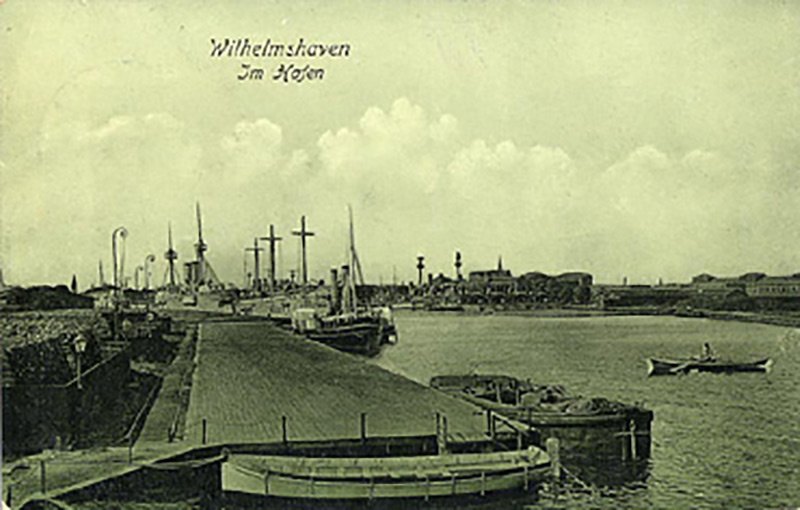 Wilhelmshaven im Hafen